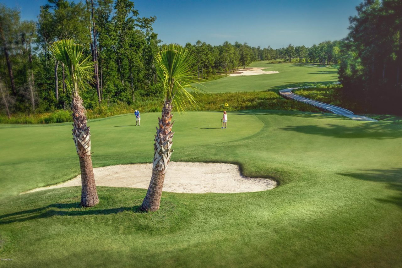 18 hole golf